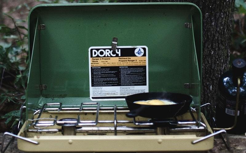 Cocina a gas en bosque