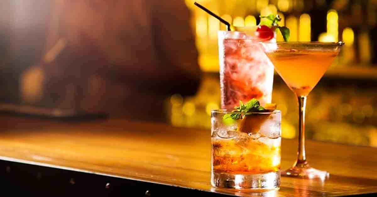 Accesorios para preparar cócteles en tu bar que debes tener
