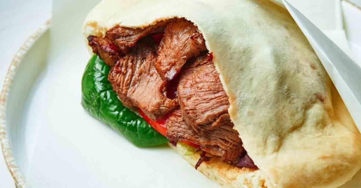 Origen del kebab y sus variaciones gastronómicas