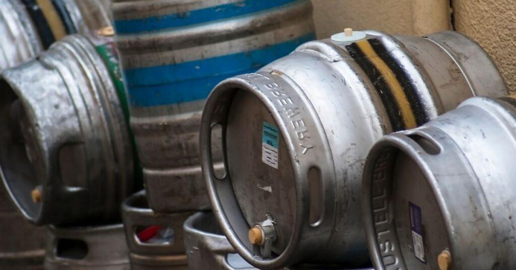 Versiones de barril de cerveza para bar
